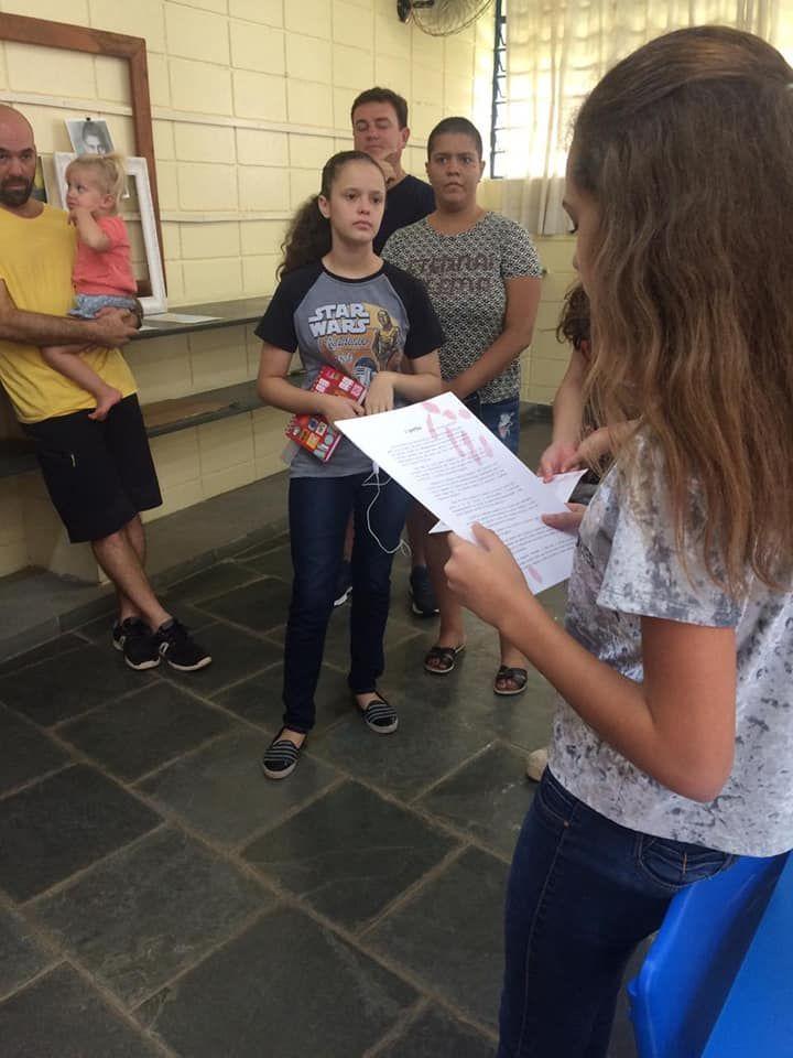 Os pais do 7° ano conheceram um pouco do processo de produção de textos do gênero Mistério e Terror, realizados pelos alunos durante o trimestre.